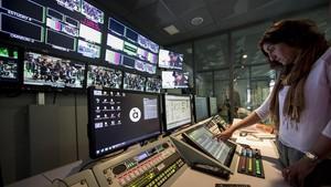 Después de seis semanas de emisiones en pruebas, À Punt se pone en marcha este domingo