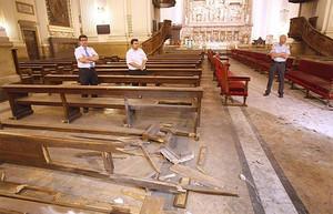 Destrozos causados por el artefacto explosivo en el interior de la basílica del Pilar, el pasado 2 de octubre.