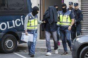 Detención de un yihadista por la Policía Nacional.