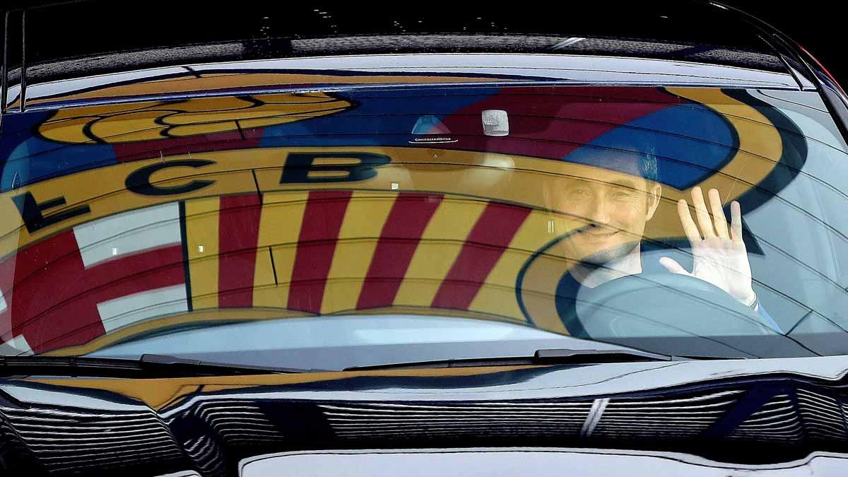 Ernesto Valverde a la salida de la reunión con Bartomeu