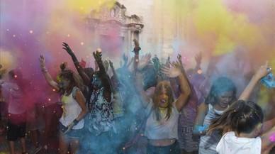 Tàrrega abre con una fiesta multicolor