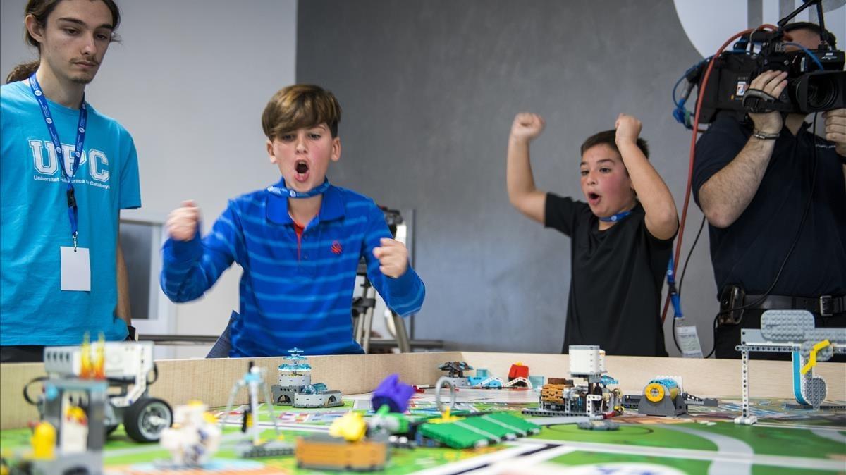 Un momento de la competición en la Escola d'Enginyeria de Barcelona Est.