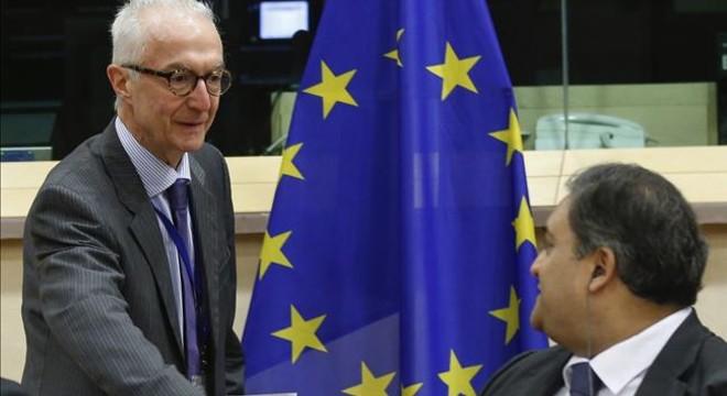 El Parlamento Europeo contraataca por el registro de pasajeros