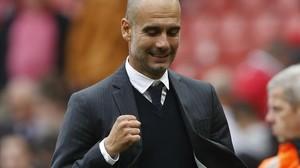 Guardiola celebra el triunfo del City en Old Trafford.