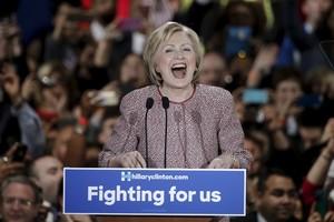 Hillary Clinton celebra su victoria en las primarias de Nueva York.