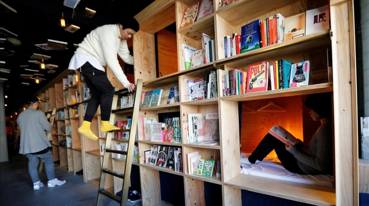 Imagen del hotel biblioteca deTokio.