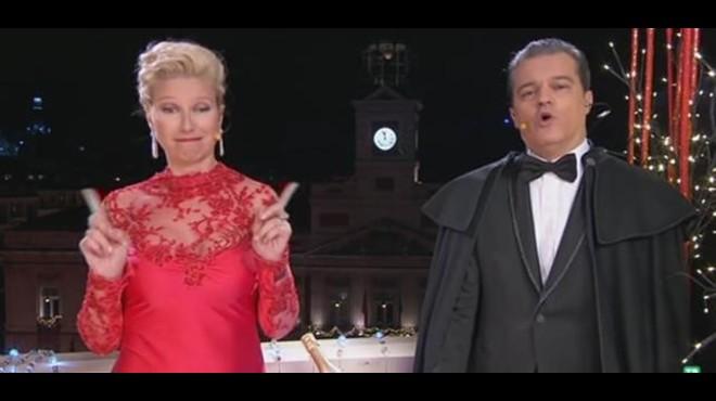 Ane Igartiburu y Ramón García, presentadores de las campanadas 2015 de TVE-1.