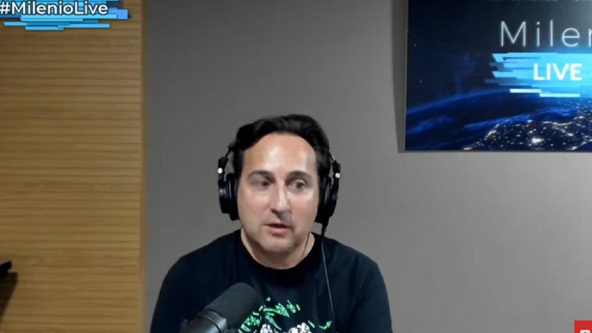 Iker Jiménez, retransmitiendo desde su canal de Youtube 'Milenio Live'.
