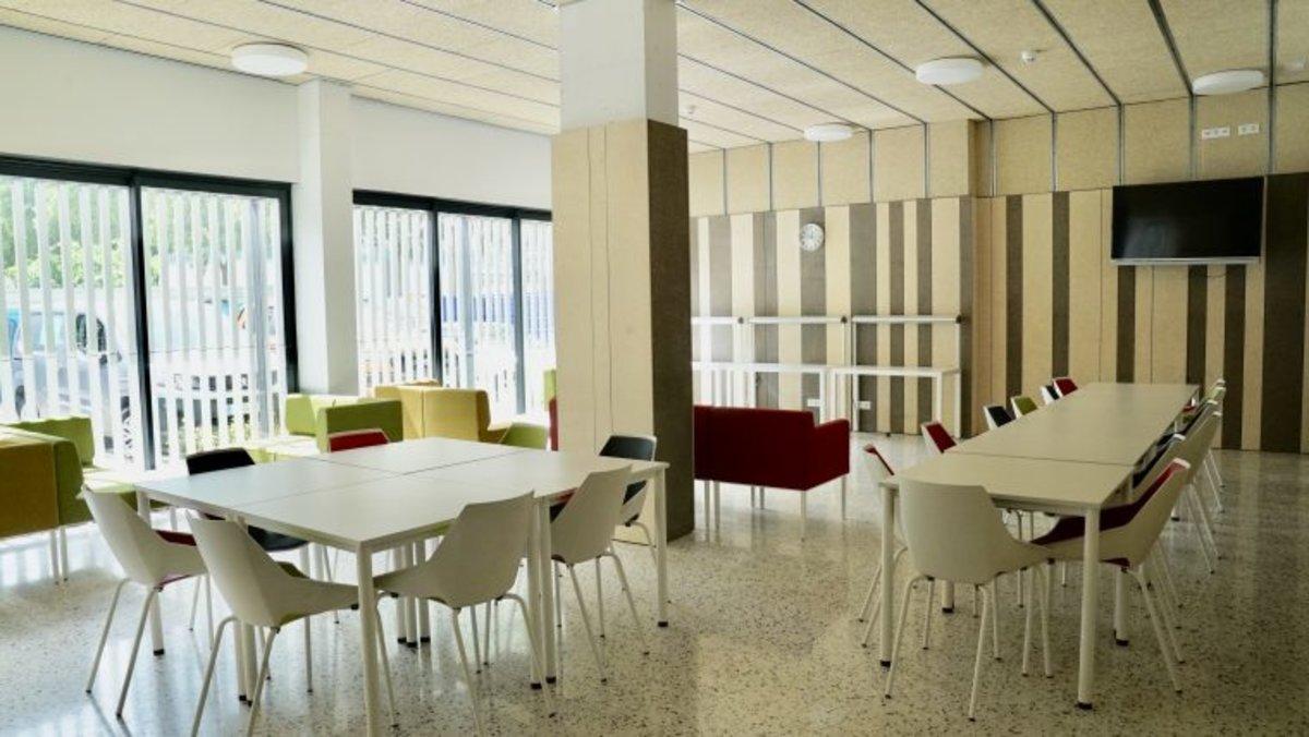 Obre les portes un nou allotjament municipal per a persones sense llar a Barcelona