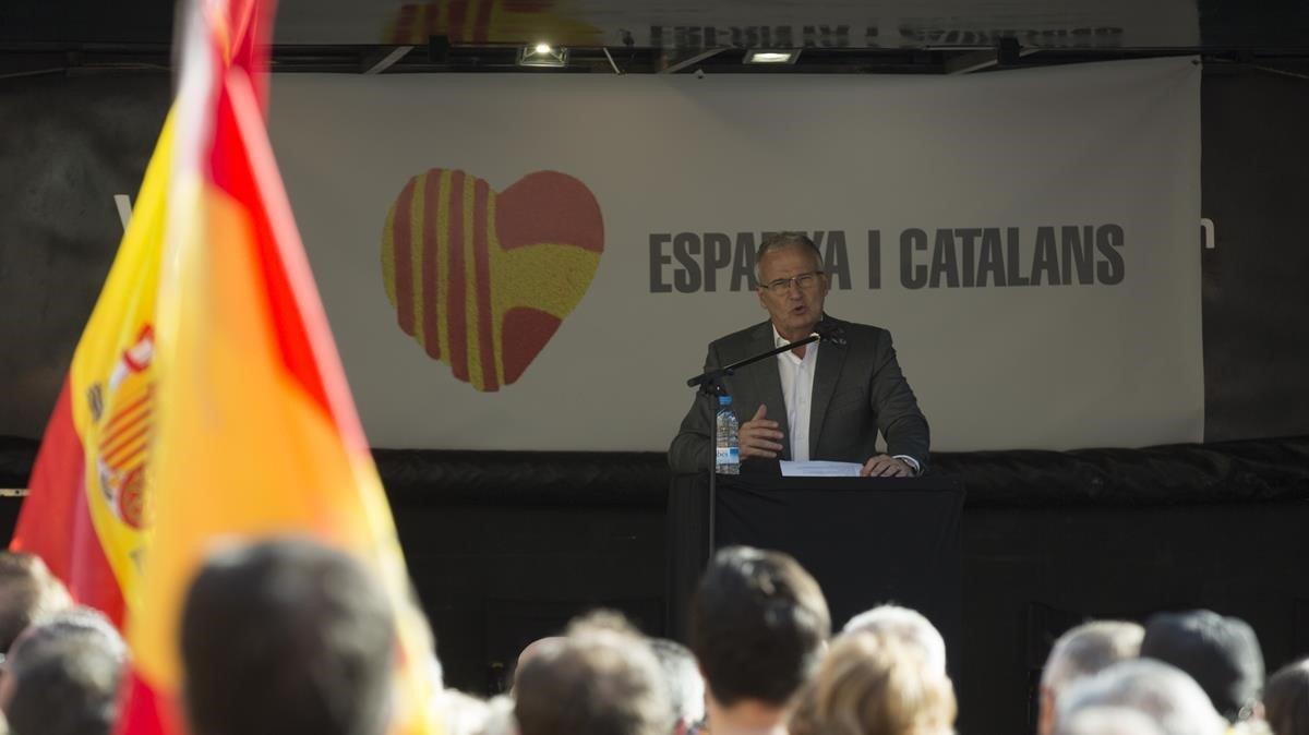 Josep Bou, en la manifestación convocada por España y Catalans con motivo del 40º aniversario de la Constitución.