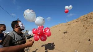 Lanzamiento de globos con combustible desde Gaza.