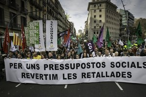 Els treballadors de la Generalitat es manifesten contra les retallades