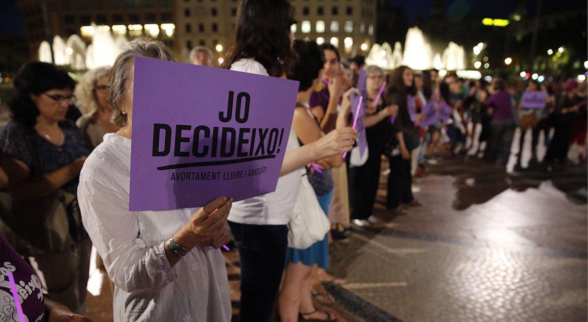 Manifestación contra la 'ley Gallardón', en la plaza de Catalunya de Barcelona en el 2014.