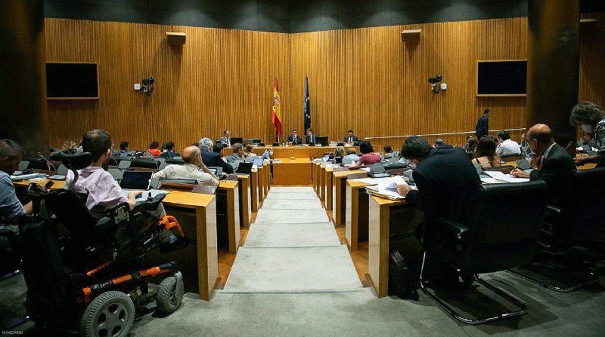 Un momento de la reunión de la comisión para la reconstrucción social y económica para debatir y votar las conclusiones finales, el 3 de julio en el Congreso.