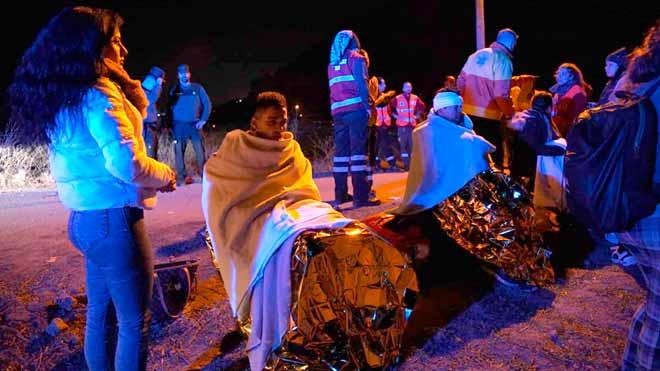 Según el último balance de Emergencias de Catalunya, hay un muerto -la conductora de uno de los convoyes-,4 heridos graves, 9 menos graves y 92 leves. Solo 65 personas han resultado ilesas en el violento impacto.
