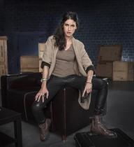 La actriz Nerea Barros, caracterizada como la espía Hidalgo, en la serie El Príncipe.