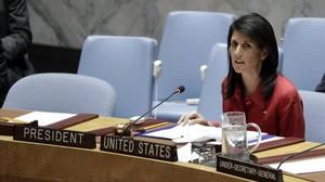 La embajadora de Estados Unidos ante la ONU,Nikki Haley, interviene en una reunión del Consejo de Seguridad, en Nueva York.