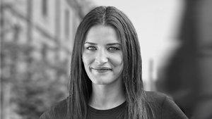Nora Boukili lleva tres años trabajando como taxista de Barcelona.
