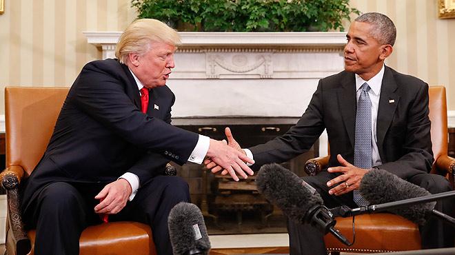 Obama y Trump escenifican el traspaso de poderes desde el Despacho Oval.