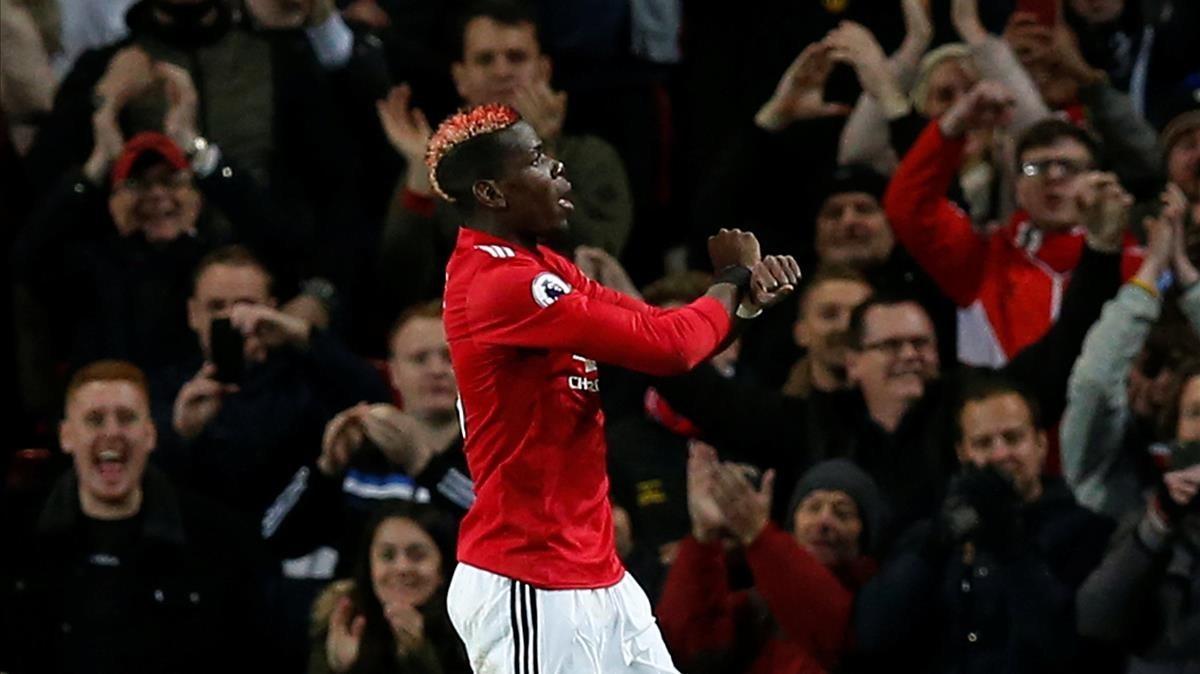 Paul Pogba celebra su gol con los brazos cruzados en recuerdo a las personas esclavizadas