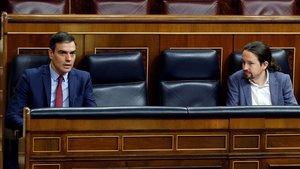 Pedro Sánchez y Pablo Iglesias, en un pleno del Congreso