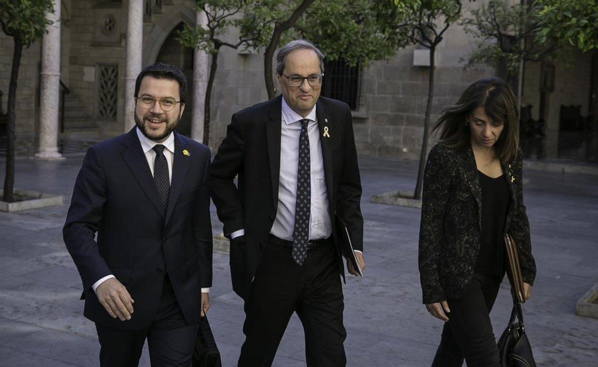 Pere Aragonés, Quim Torra y Meritxell Budó, en la reunión extraordinaria del Consell Executiu en la Generalitat.