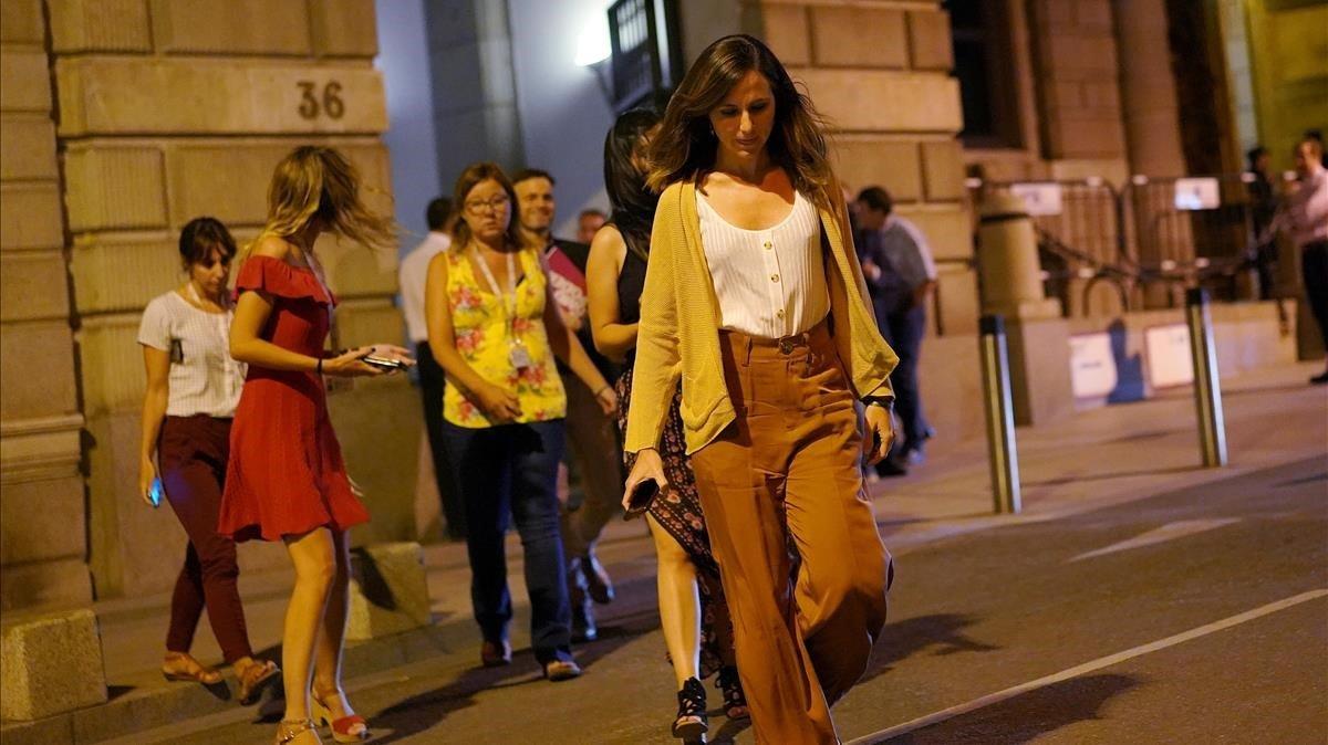 La portavoz adjunta de Unidas Podemos en el Congreso, Ione Belarra, al salir de la reunión con el PSOE.