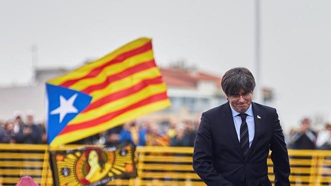 Puigdemont anuncia la creació d'un partit al marge del PDECat