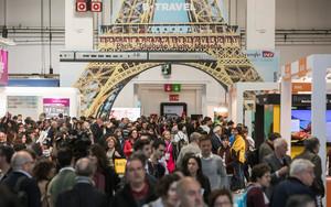 El recinto lleno de visitantes durante la pasada edición de B-Travel.