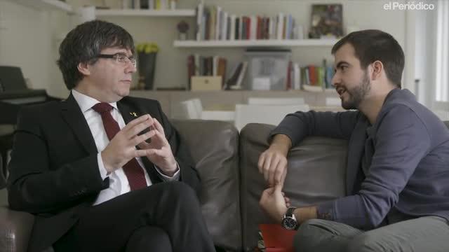 Ricard Ustrell entrevista a Puigdemont para Quatre Gats