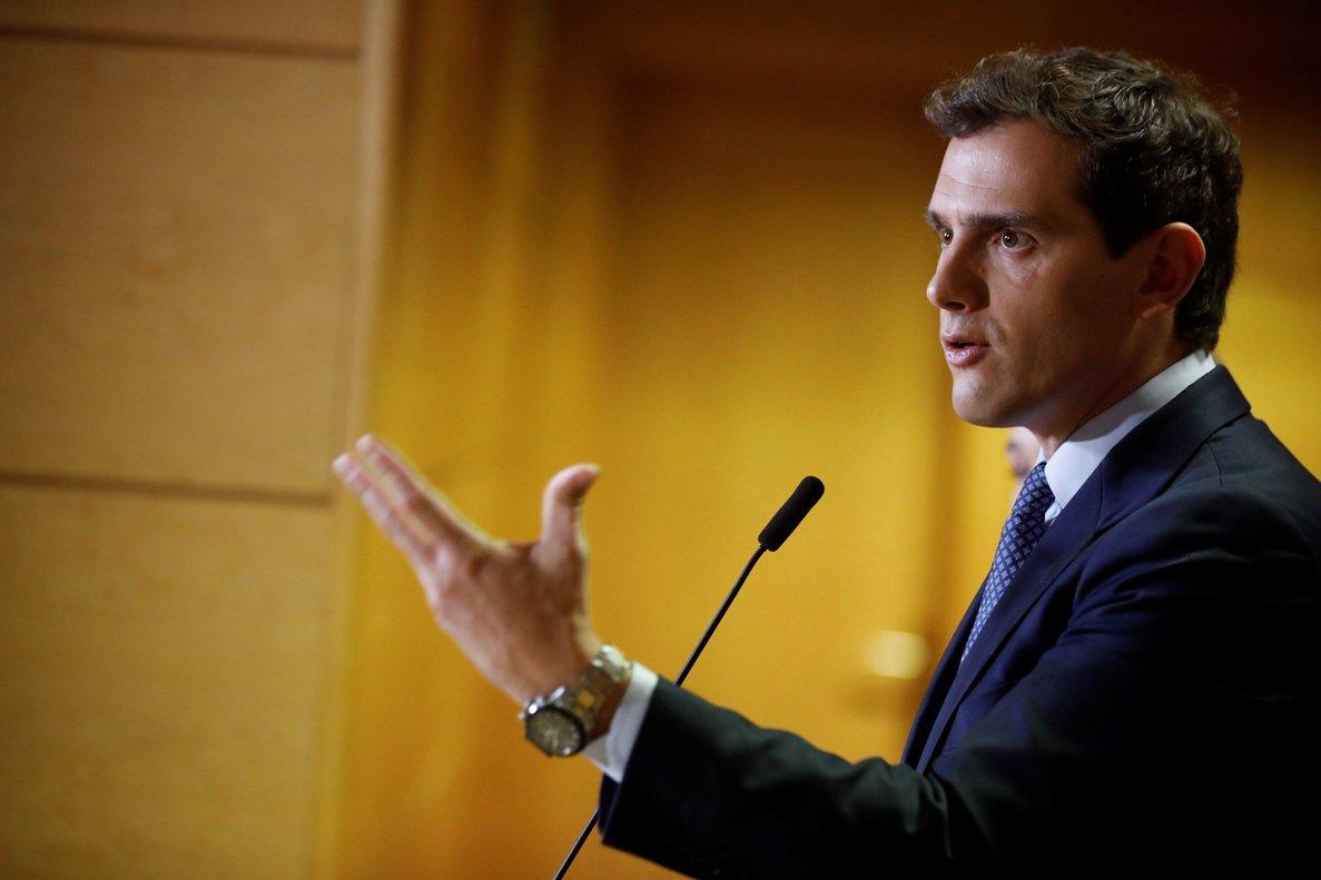 GRAF3184. MADRID, 02/10/2019.- El presidente de Ciudadanos, Albert Rivera, realiza declaraciones antes de reunirse con cargos y diputados de Ciudadanos en la Asamblea de Madrid.- EFE/David Fernández