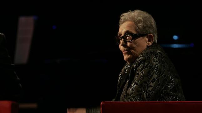 Neus Català, durantla cerimònia d'entrega del PremiCatalà de l'Any que va rebre al febrero del 2007, otorgat per EL PERIÓDICO DE CATALUNYA.