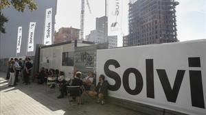 Posibles compradores en una promoción de Solviaen Barcelona