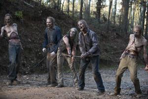 Imagen de los zombis en el final de la sexta temporada de The walking dead, en elcanal de pago Fox.