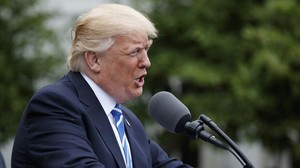 Trump, en el jardín Kennedy de la Casa Blanca, este lunes.