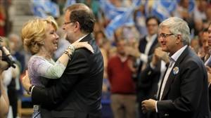 Mariano Rajoy y Esperanza Aguirre en un mitin del PP.
