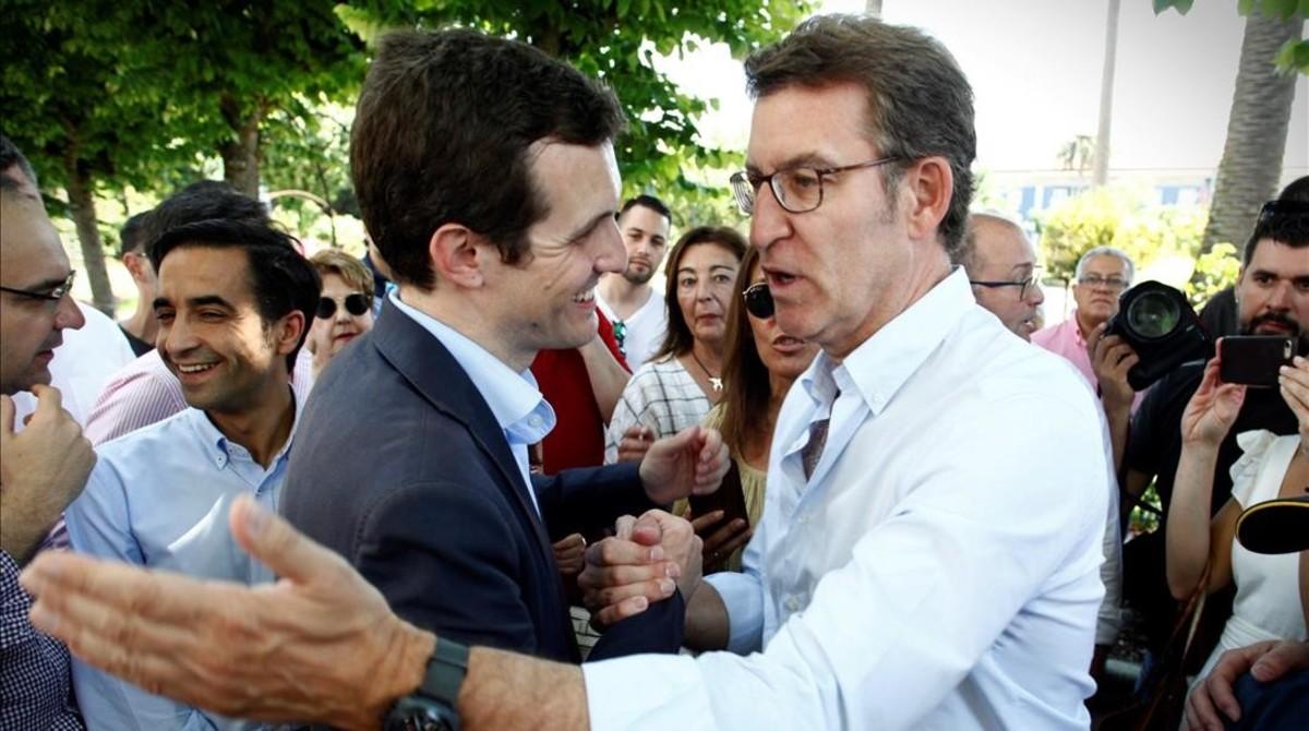 Feijóo y Casado, en el acto de campaña en A Coruña.