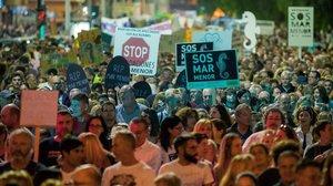 Unes 55.000 persones demanen a Cartagena la recuperació del Mar Menor