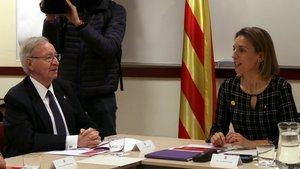 Valls y Chacón, durante la reunión para definir el calendario de elecciones a las cámaras de comercio.