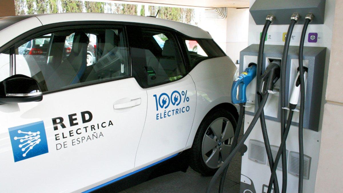 El vehicle elèctric: el motor cap a la transició energètica