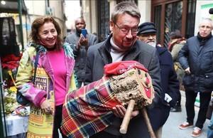 El candidato de Catalunya en Comú-Podem, Xavier Domènech, de campaña por Tortosa