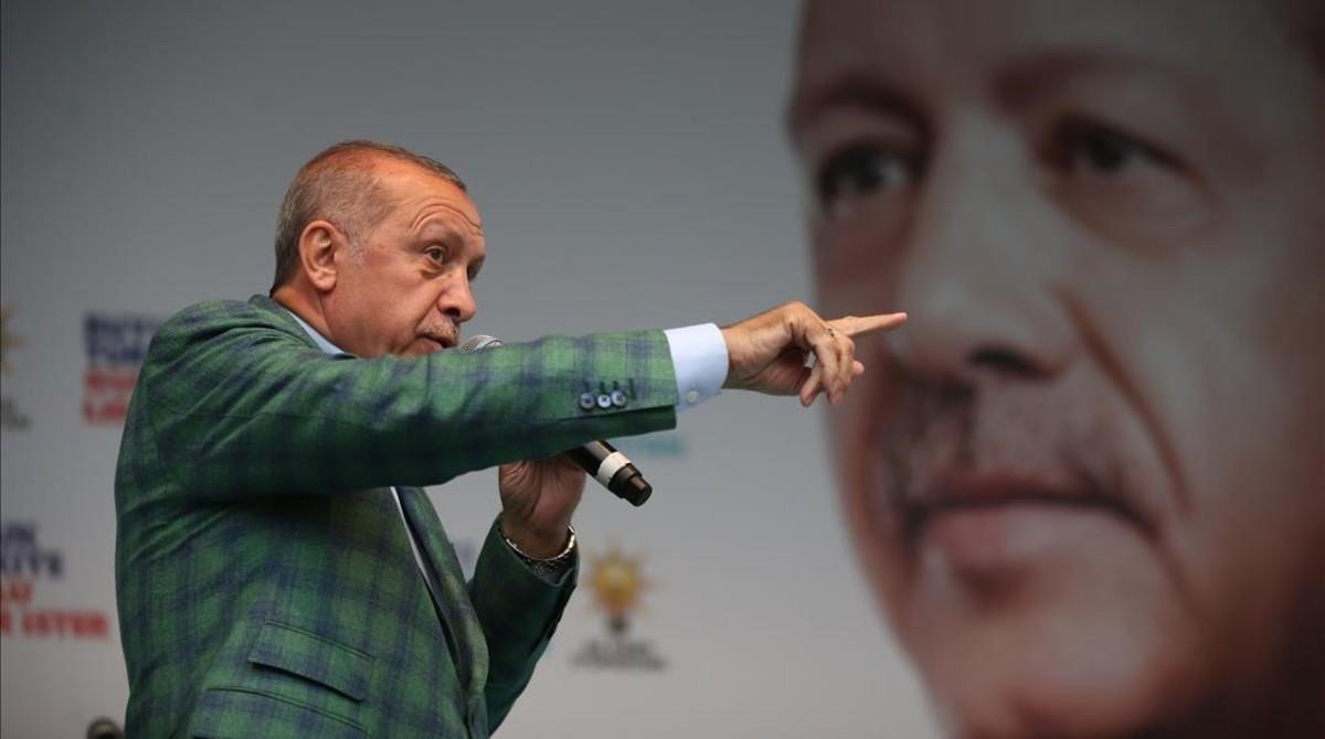La caiguda de la lira turca posa en alerta el BCE i els inversors