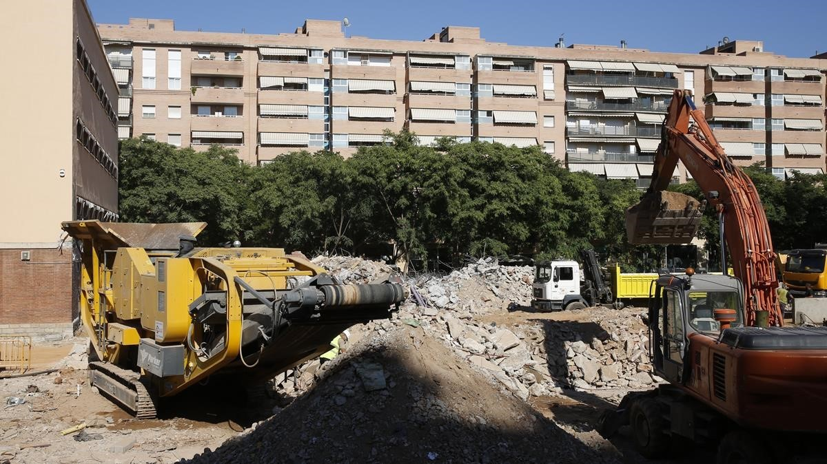 40 millones en 72 obras en centros educativos este verano for Trabajos de verano barcelona