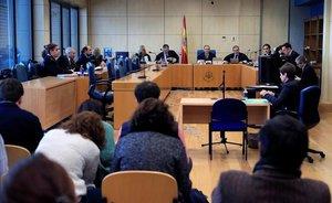 La Fiscalia renuncia a demanar terrorisme per als vuit joves de l'agressió d'Altsasu