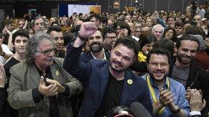 Gabriel Rufián celebra los resultados obtenidos por ERC.