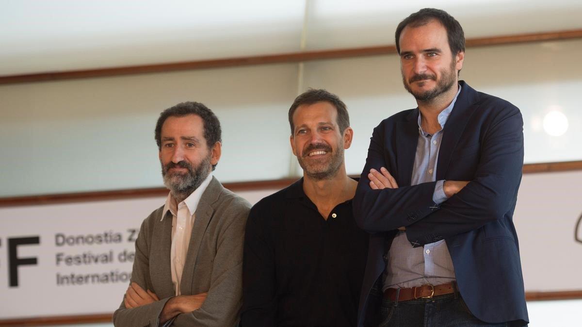 Jon Garano,Jose MariGoenaga yAitor Arregi, en San Sebastián.
