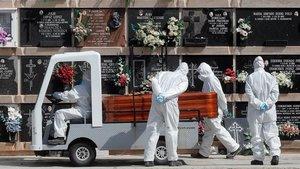 Imagen de un funeral en el cementerio del Cabañal, València.