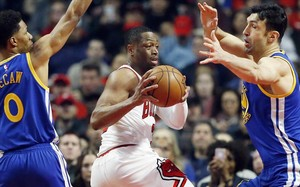 Wade, con la camiseta de los Bulls, en un partido frente a los Warriors esta temporada