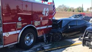 tesla-model-s-crash-fire-truck