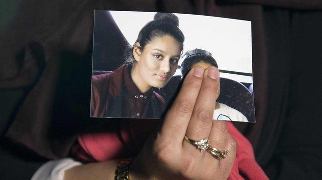 Una de les adolescents britàniques captada per Estat Islàmic demana tornar a casa